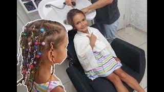 ÖRGÜLÜ SAÇLAR, Kuafördeyiz, Elifin saçlarını ördürdük, eğlenceli çocuk videosu