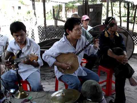 Hoàng Phúc đàn Sến bài - Nam Ai nhạc lể
