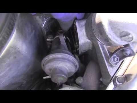 Mercedes Diesel Engine OM603 Removing EGR Valve