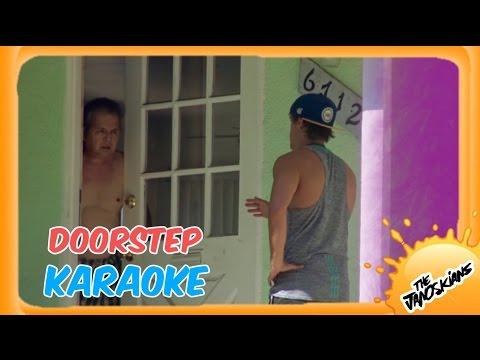 DOORKNOCKING KARAOKE GAME!
