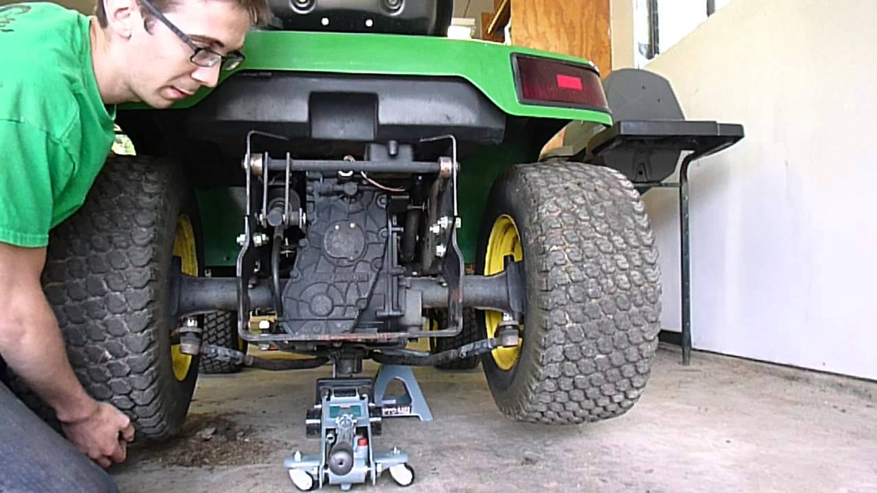 Lawn Tractors With Locking Differentials : Jd differential lock stuck youtube