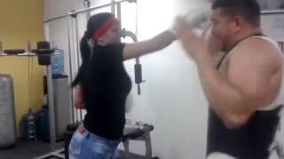AVANCE DE LAS MUJERES EN DEFENSA PERSONAL DE LA ESCUELA DE BOXEO VENEZUELA