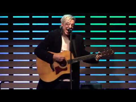 robert-delong-favorite-color-is-blue-live-in-the-sound-lounge-101wkqx