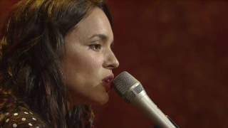 """Norah Jones - """"Don't Know Why"""" [Live from Austin, TX]"""