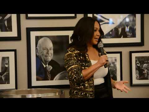 Epitome TV:  Erica Campbell speaks at Selah 19 'Leadership Encouter for Women'