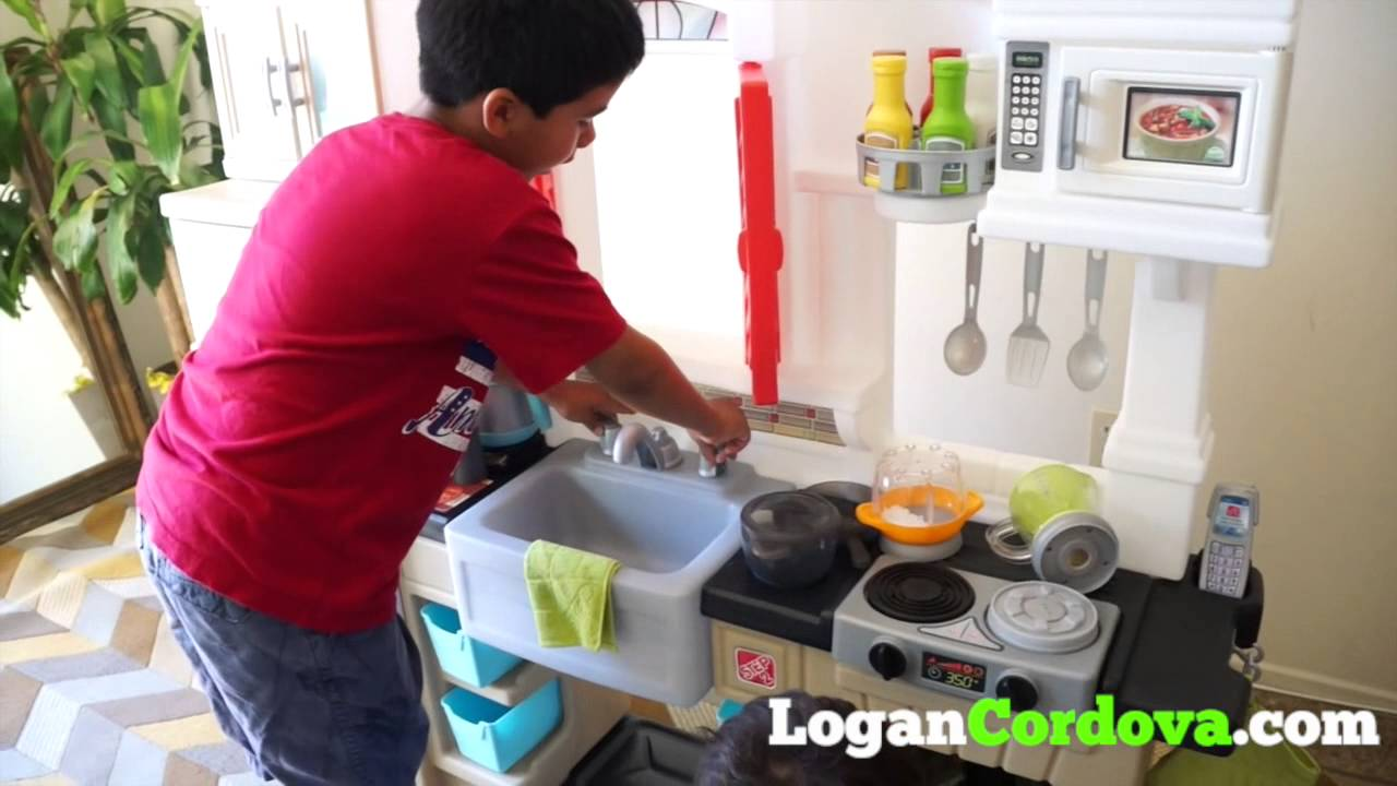 Kids Review The Step2 Mixin Up Magic Kitchen
