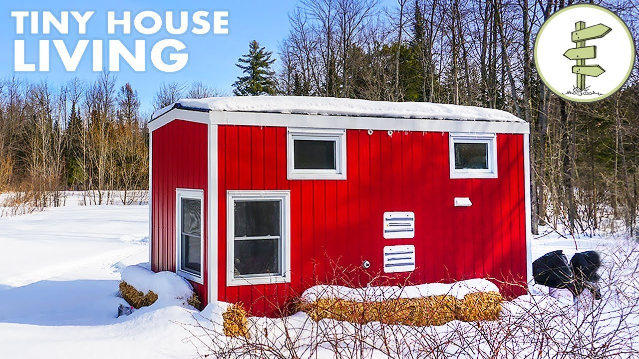 woman living in a tiny house loves the small space financial freedom youtube. Black Bedroom Furniture Sets. Home Design Ideas