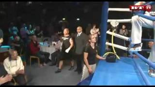 Repeat youtube video Sidney Lee vs. Stig Tøfting boksning (full)