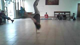Break Dance air track bboy george