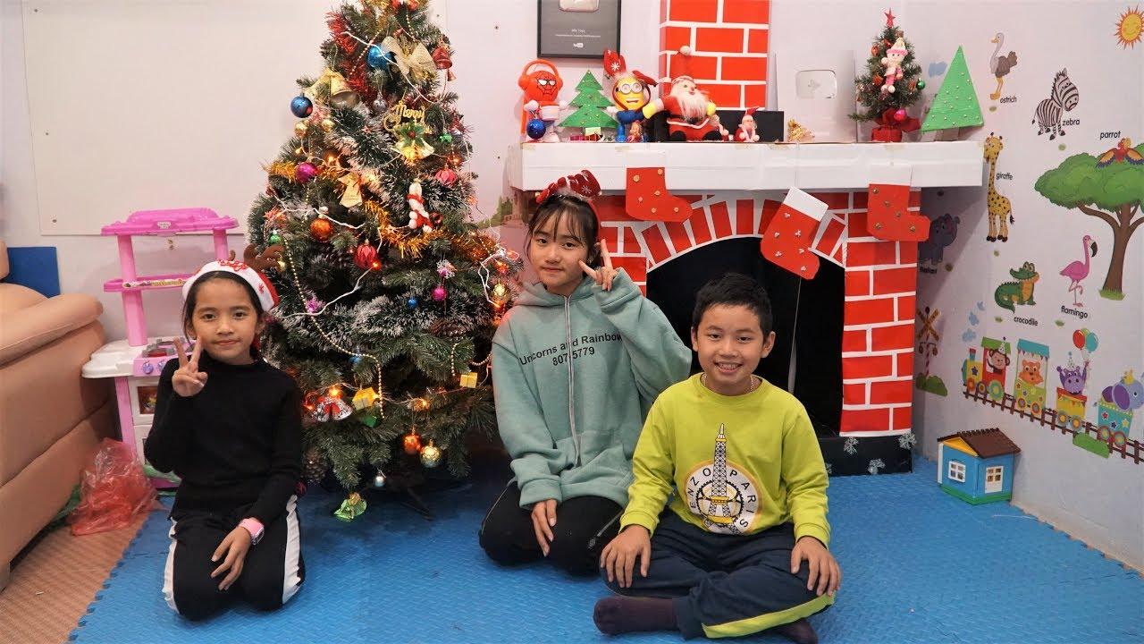 Hai Chị Em - Trang Trí Cây Thông Noel và Lò Sưởi Chuẩn Bị Đón Giáng Sinh - MN Toys