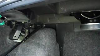 видео Установка газовых упоров в багажник ВАЗ-2115