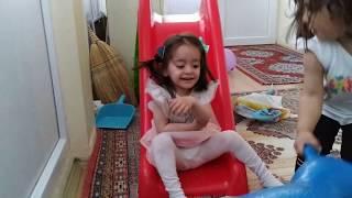 Ayşe Ebrar ile Asel Yaramazlık Yaptı Annesine Acıma Şakası Yaptı | Eğlenceli Çocuk Videosu