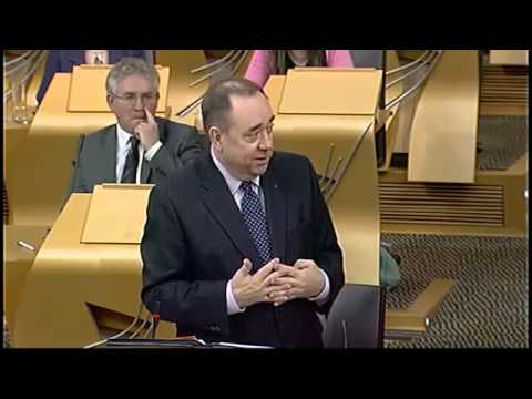 """Johann Lamont describes Trident and the Iraq War as """"wee things"""""""