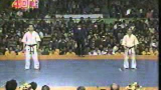 武道的に、非常に興味深い試合です。 こちらに高画質版があります。 http://www.youtube.com/watch?v=E2HTOtI8XN4.