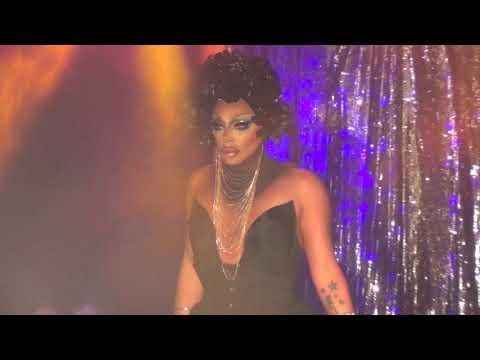 """Raven: """"Let Me In"""" @ Showgirls!"""