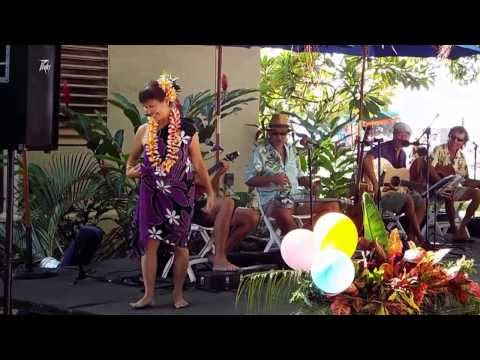 Music by Maui Jam and Art at the Lahaina Banyan Tree