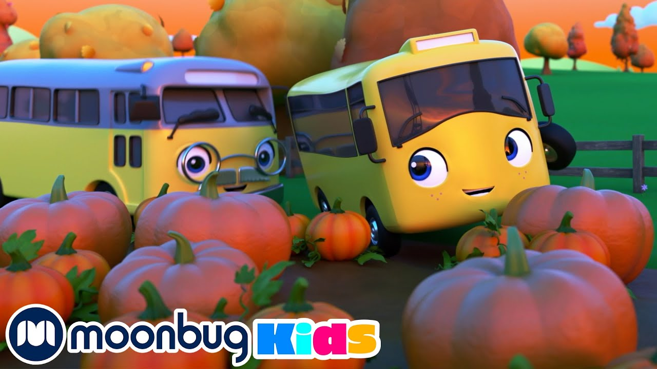 BUSTER and the Spooky Pumpkin - Halloween Hero | Moonbug Play and Learn