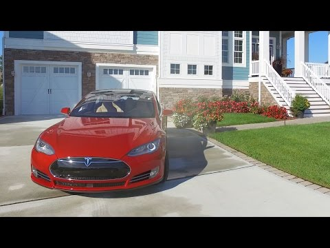 Tesla Model S Test Drive at The Peninsula