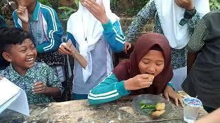 Lomba Makan Tahu dan cabe,  MTs Miftahul Ulum