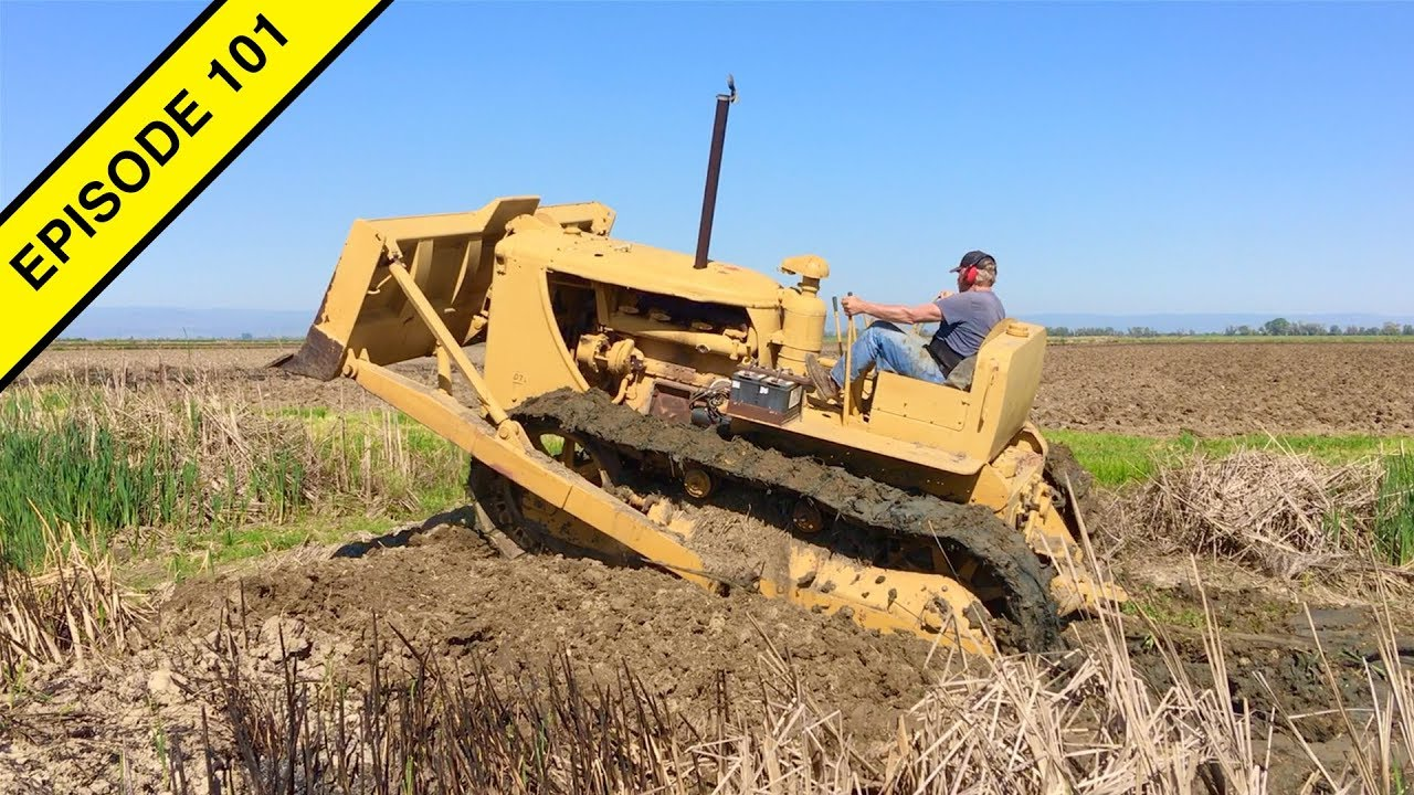 Old D7 Caterpillar Bulldozer does Farm Work in this Tractor Video!