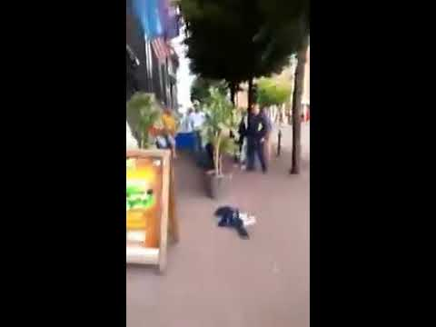 Bouncer fights 2 drunk men outside the Woolshed Parnell st