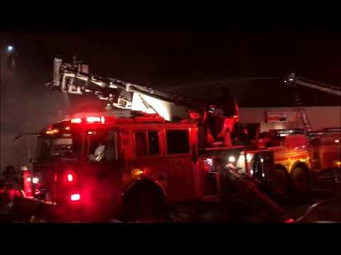 FDNY BOX 3939 - FDNY BATTLING A 4TH ALARM FIRE ON SCHENECTADY AVENUE IN BROOKLYN, NYC.