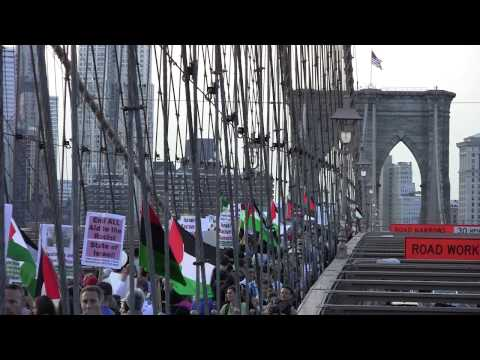 Sea of Palestinian Flags at the Brooklyn Bridge