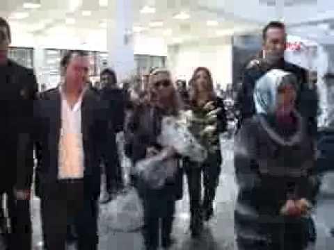 Anastacia - Arriving in Cyprus 12.11.2010 [Report]
