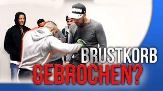 MMA Kämpfer BRICHT BRUSTKORB (PRANK) + Farid Bang + Majoe + Ottman Azaitar   FaxxenTV
