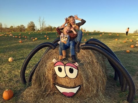 Princess Ella and play doh girl from fun factory have a amazing day at the pumpkin patch vlog 11
