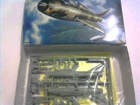 Academy 1//144 Sukhoi SU-22 Fitter