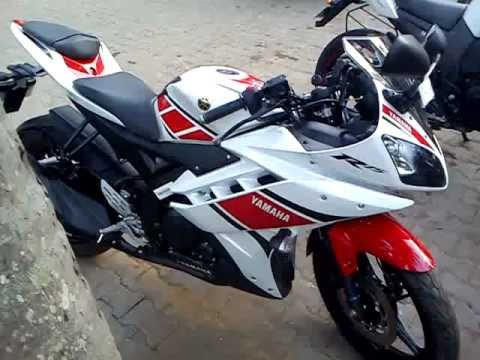 R15 V2 Red And White yamaha r15 vers...