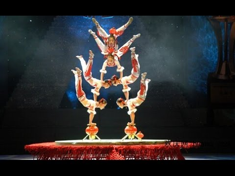 "Acrobatic dance ""Splendid"" opens China acrobatics festival in C China"