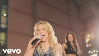 Shakira - Shakira Gets Loca In Parking Lot