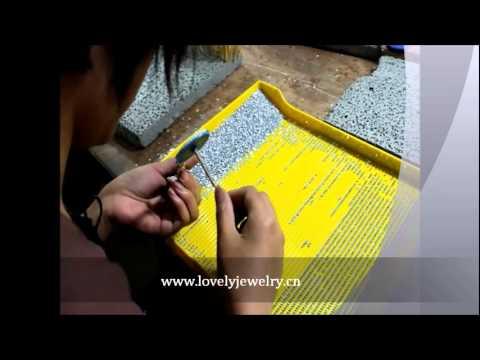 How to make the resin rhinestone beads.wmv