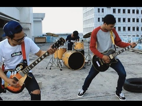 SWEET OUR STORY - Tetap Berdiri ( Official Music Video )