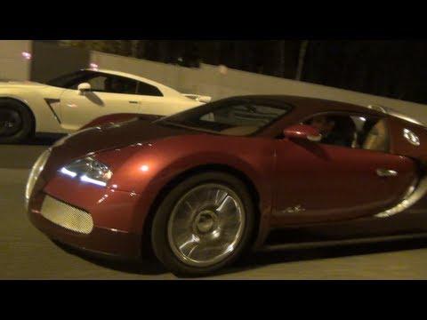 Bugatti Veyron 330 km/h (205 mph) on Highway