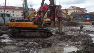 sany drilling machine, heavy construction machinery, drilling machine at work