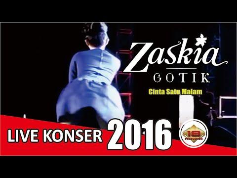 "KONSER "" ZASKIA GOTIK ~ Hot Bangett!! "" Cinta Satu Malam @Live Solo 2 Oktober 2013"