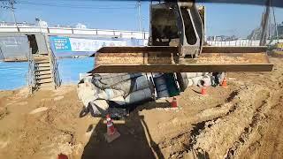 폐기물상차및 토공정리 작업!~^^ 날씨가 너무 화창함