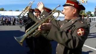 В Саратове готовятся к празднику духовой музыки(По городу с оркестром. В Саратове готовятся к празднику духовой музыки. Подобного в нашем регионе никогда..., 2016-10-03T15:45:21.000Z)