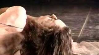 דרך גוף - tamar borer hair mountain preformance art