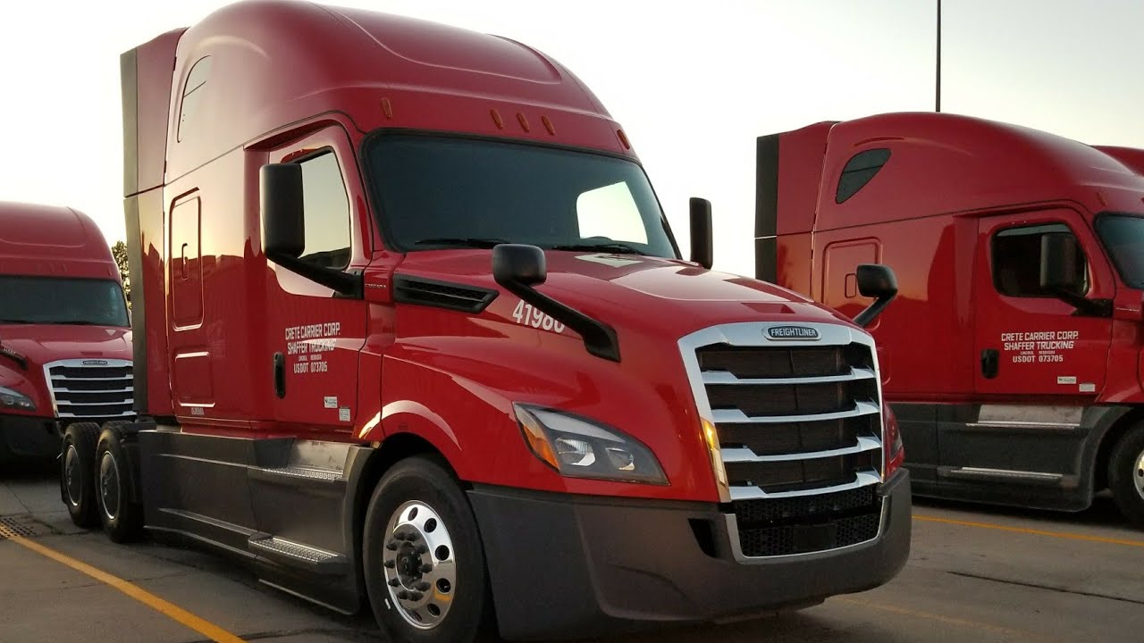 2018 FREIGHTLINER CASCADIA REVIEW AN TOUR