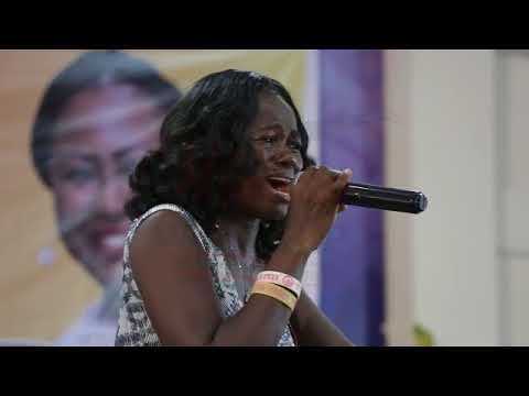 Cynthia Maccauley Live in Worship at WCW 2017 | The StandPoint