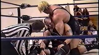 Kingman w/ Double D vs Custom Made Man - RAW - October 16th 2001