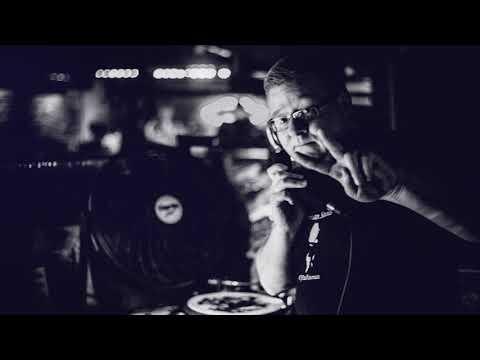 DJ PAUL NEWMAN FROM LONDON