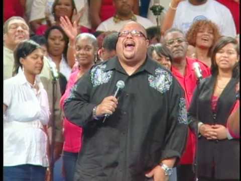 Monica Allen and Fred Hammond singing