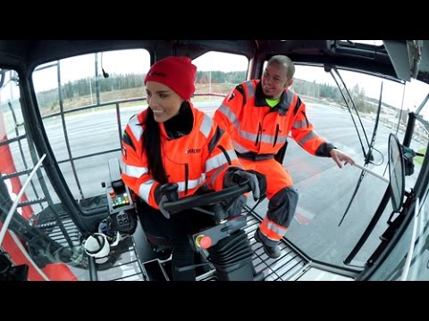 "Kalmar straddle carrier featured in ""Kaara"", Finnish TV5"