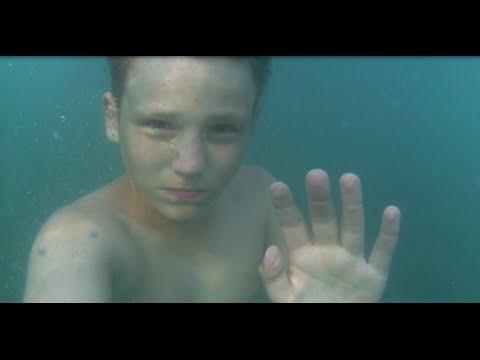 Мальчик тонет (социальный эксперимент в море) / Boy drowns in a sea (social experiment)