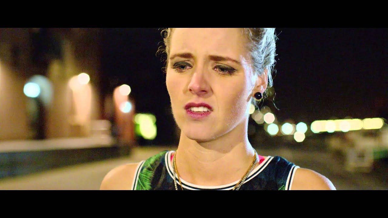 Fashion Chicks scene: Esmee raakt Max kwijt...